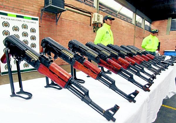 INDUSTRIA Y COMERCIO DE ARMAS